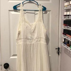Torrid ivory dress with lace trim.  Size 2xl